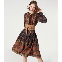 Винтажное платье Artka со шнуровкой и тесьмой на груди