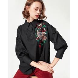 Однотонная рубашка с вышивкой птицы (Черный)