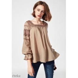 Блузка Artka с этно-вышивкой по контуру выреза