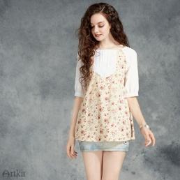 Блузка Artka с плиссировкой на груди и имитацией топа