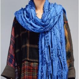 Шарф Madam Boho элементами крупной вязки (синий)