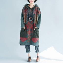 Платье-толстовка с накладными карманами и рисуном розы (зеленый)