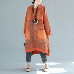 Платье-толстовка с накладными карманами и рисунком пэчворк (оранжевый)
