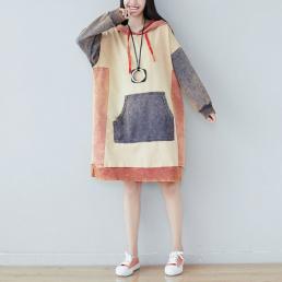 Комбинированное платье-толстовкас карманом кенгуру (бежевый)