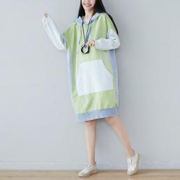 Комбинированное платье-толстовкас карманом кенгуру (зеленый)