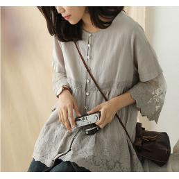 Расклешенная блузка на пуговицах (светло-серый)
