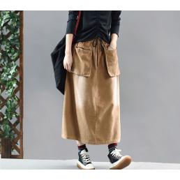 Коричневая вельветовая юбка с накладными карманами