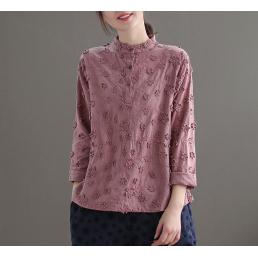 Блузка с фактурными цветами (сиреневый)